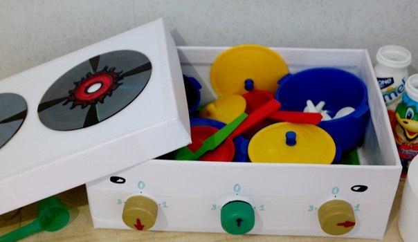Как сделать плиту из коробки для ребенка
