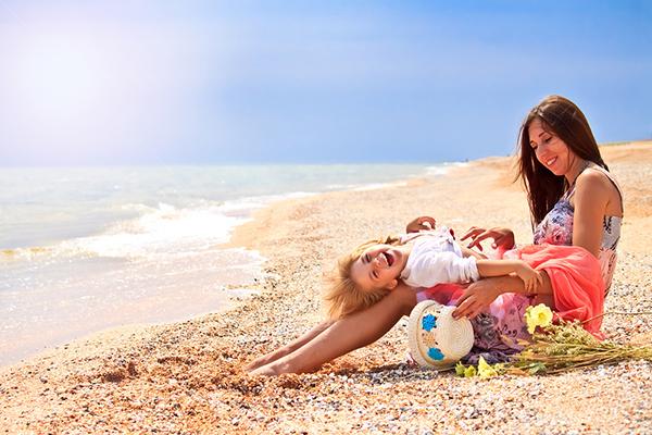 Молодые мамы с дочками